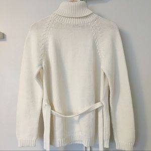 ONE ON ONE White Chunky Knit Sweater-Size M (NWOT)